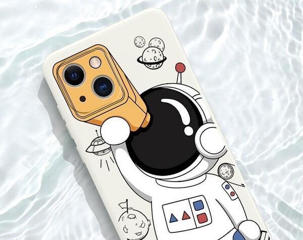 Spaceman Astronaut Cartoon iPhone 13 Pro Max Case